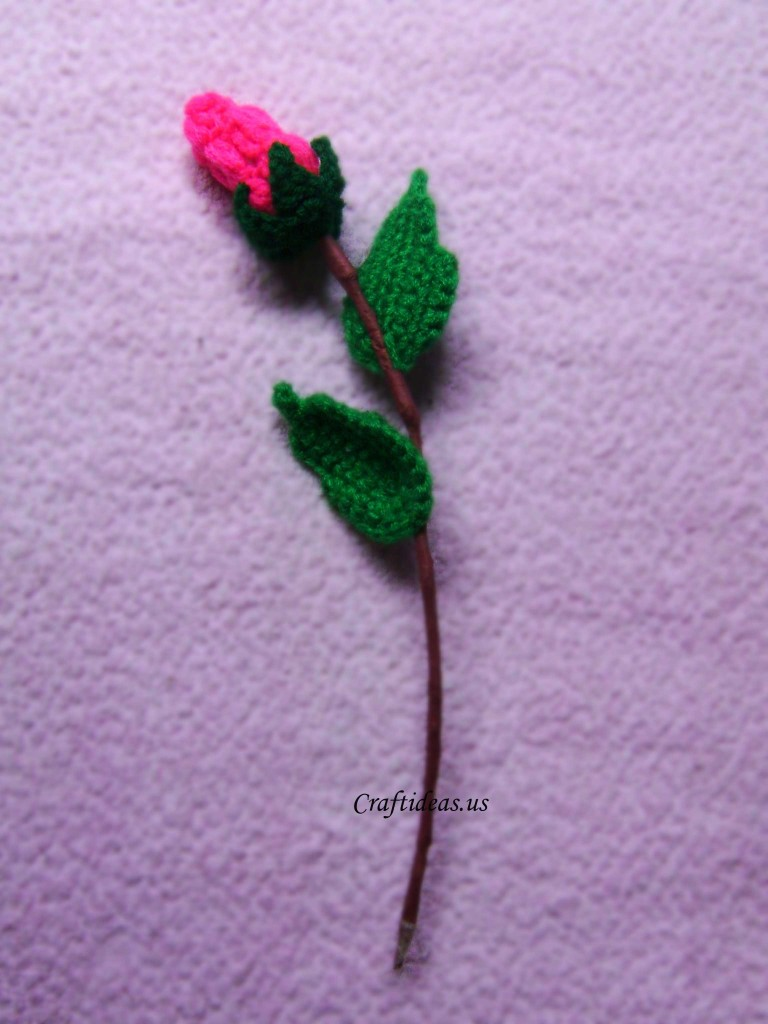 crochet rose bud for valentine gifts craft ideas