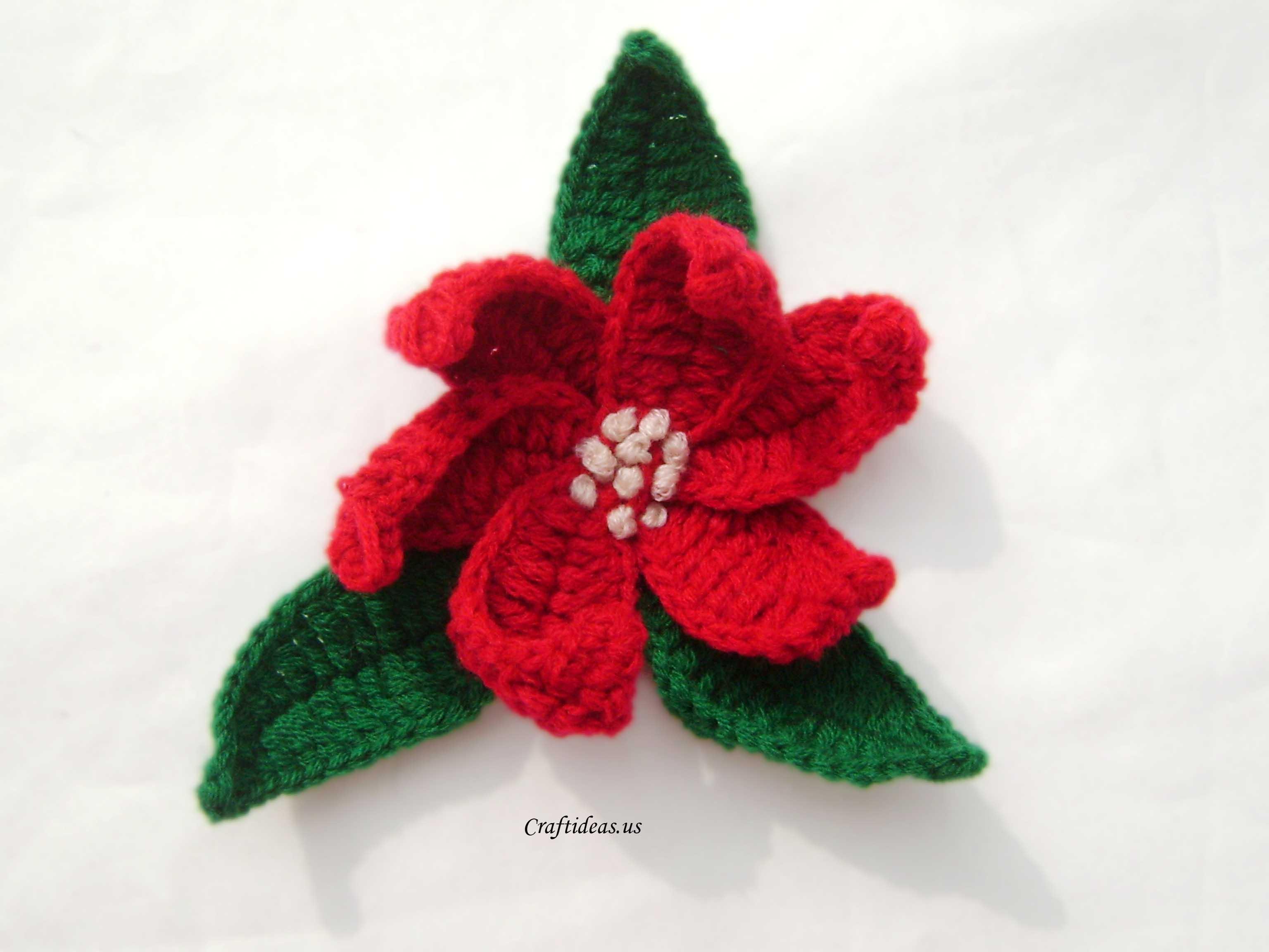 Christmas craft ideas: Crochet Poinsettias - Craft Ideas