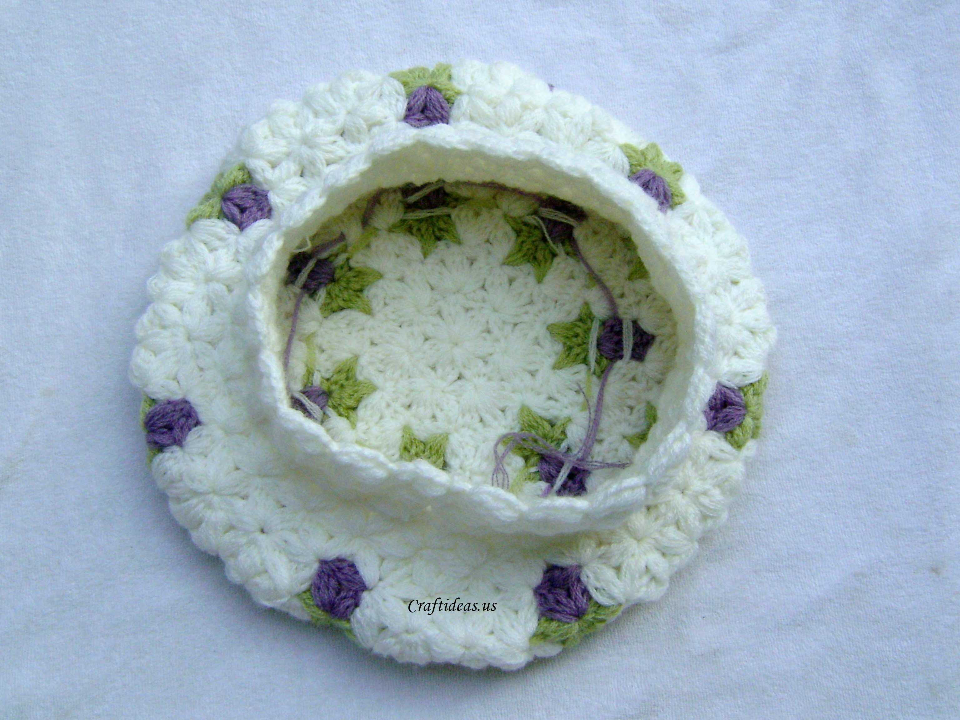 Crochet Jasmine Stitch Hat : Crochet rose with 6-Petal Jasmine Stitch for beret - Craft Ideas