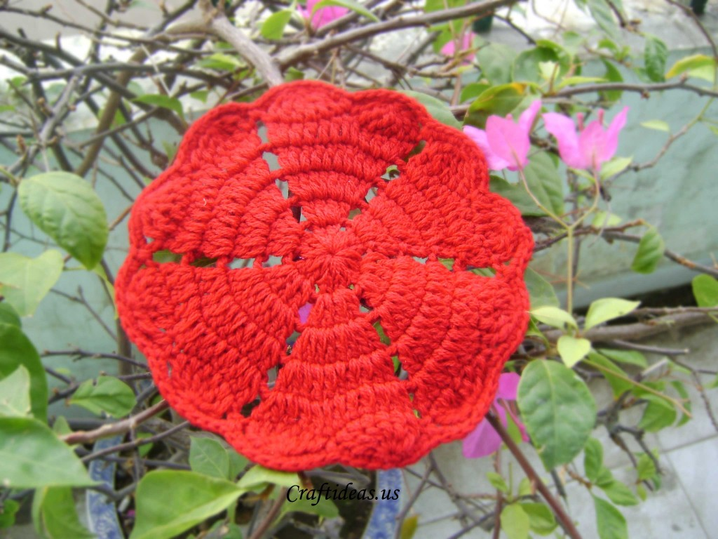 Crochet flower and heart coaster - Craft Ideas