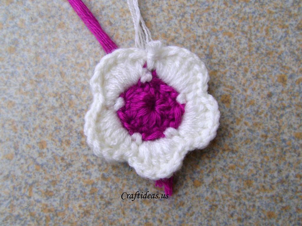 Crochet Craft Projects : Crochet spring flower - Craft Ideas
