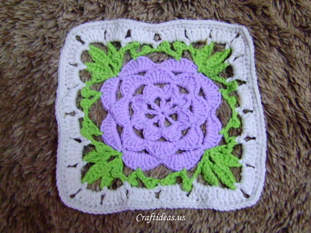 Crochet Flower Rug Makes Your Room Full Of Happiness