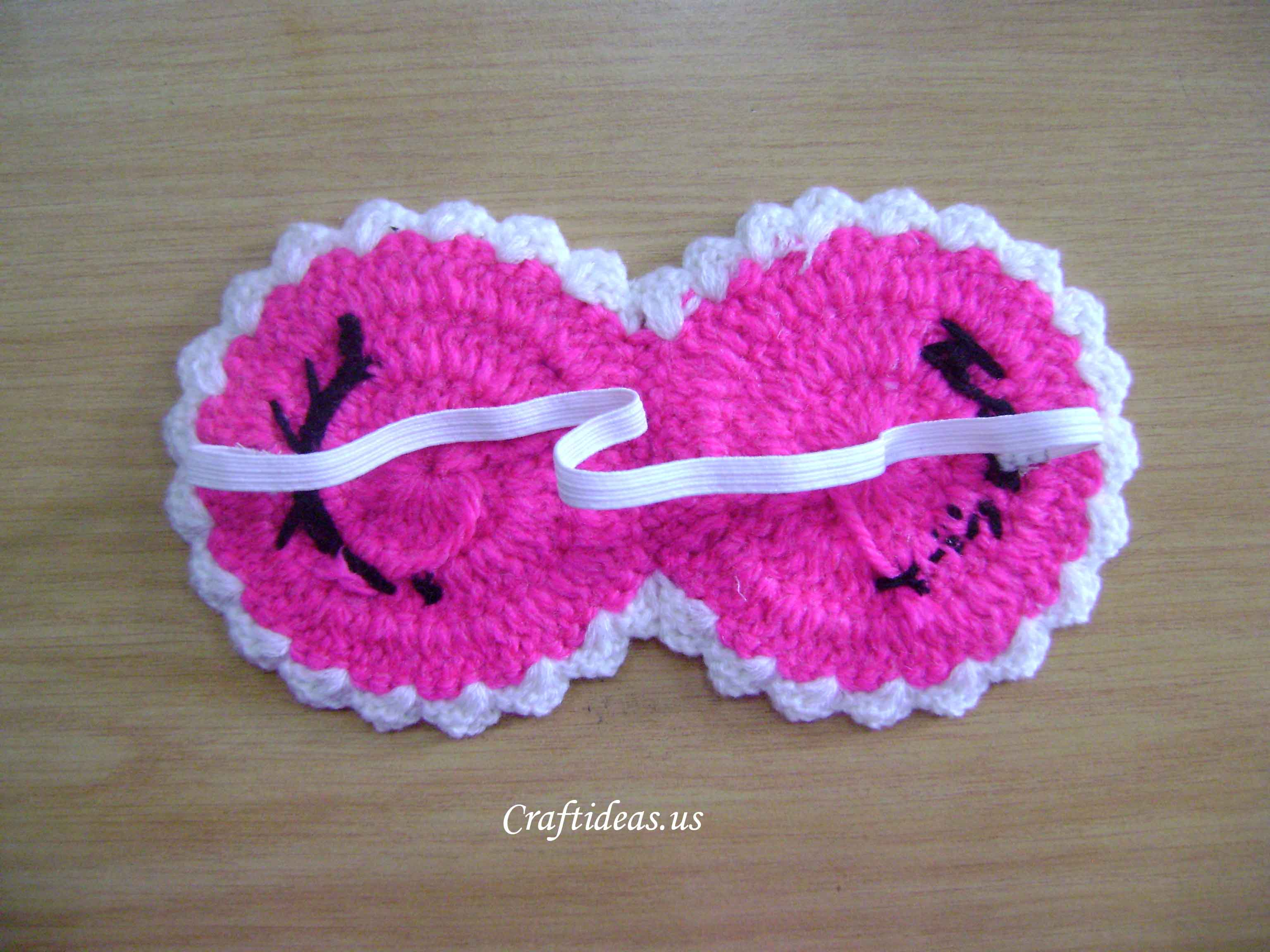 Crocheting Gifts Ideas : Crochet sleeping mask