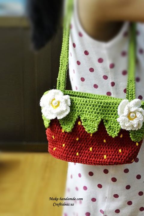 Crochet baby strawberry handbag and purse, crochet chart