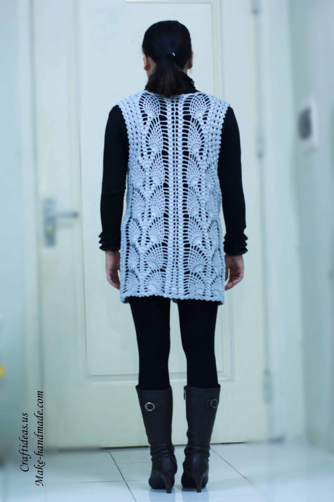 Crochet beauty pineapple jacket and vest back part