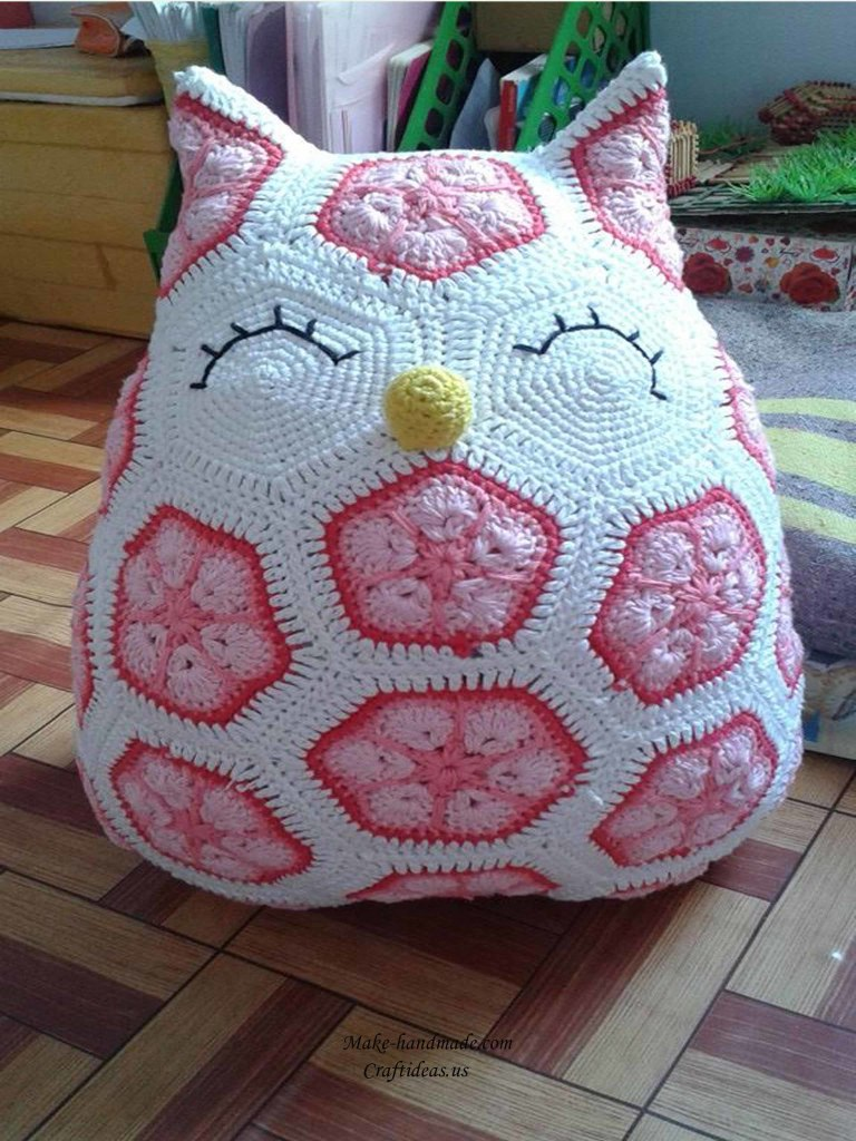 Crochet cute owl of african hexagone for kids