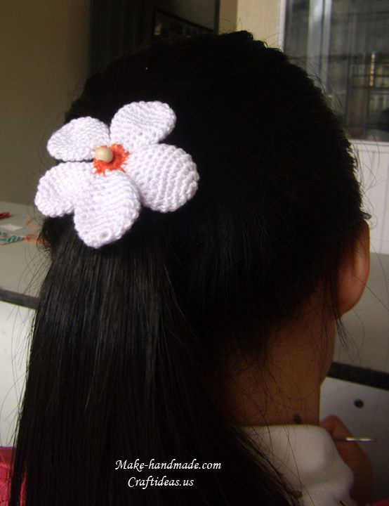 Crochet bows and flowers for hair accessories, crochet ideas