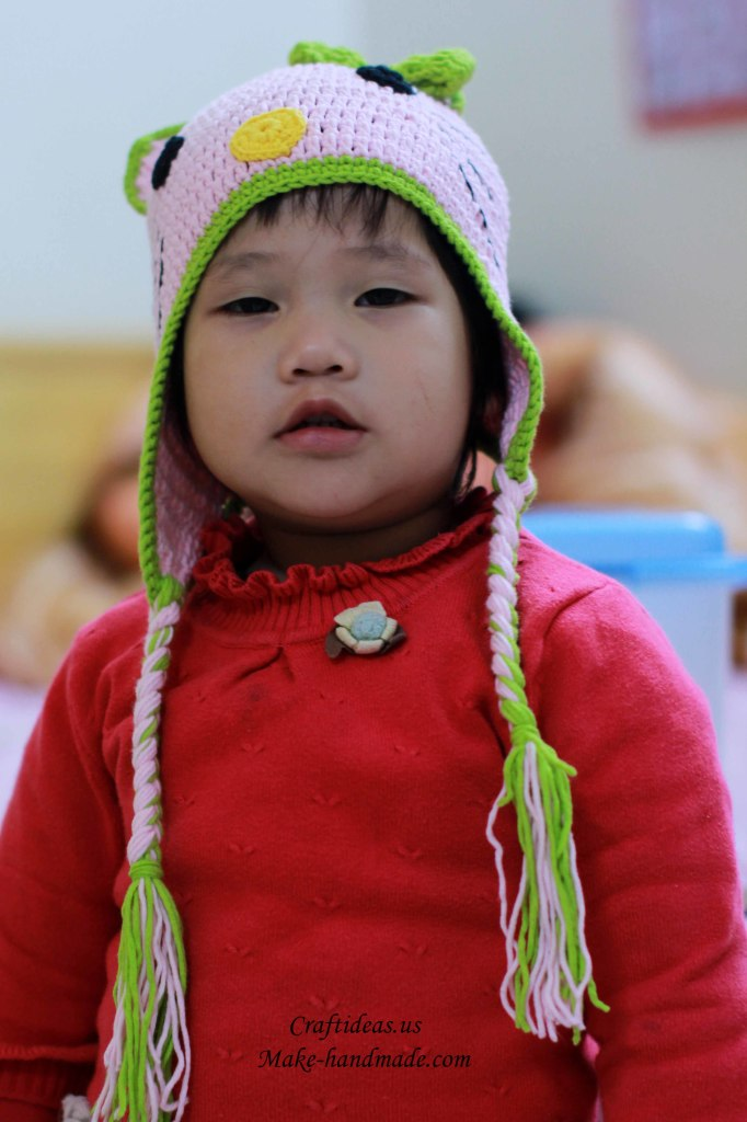 Crochet hello kitty baby hat