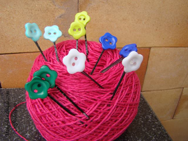 hair accessories of flower bottons