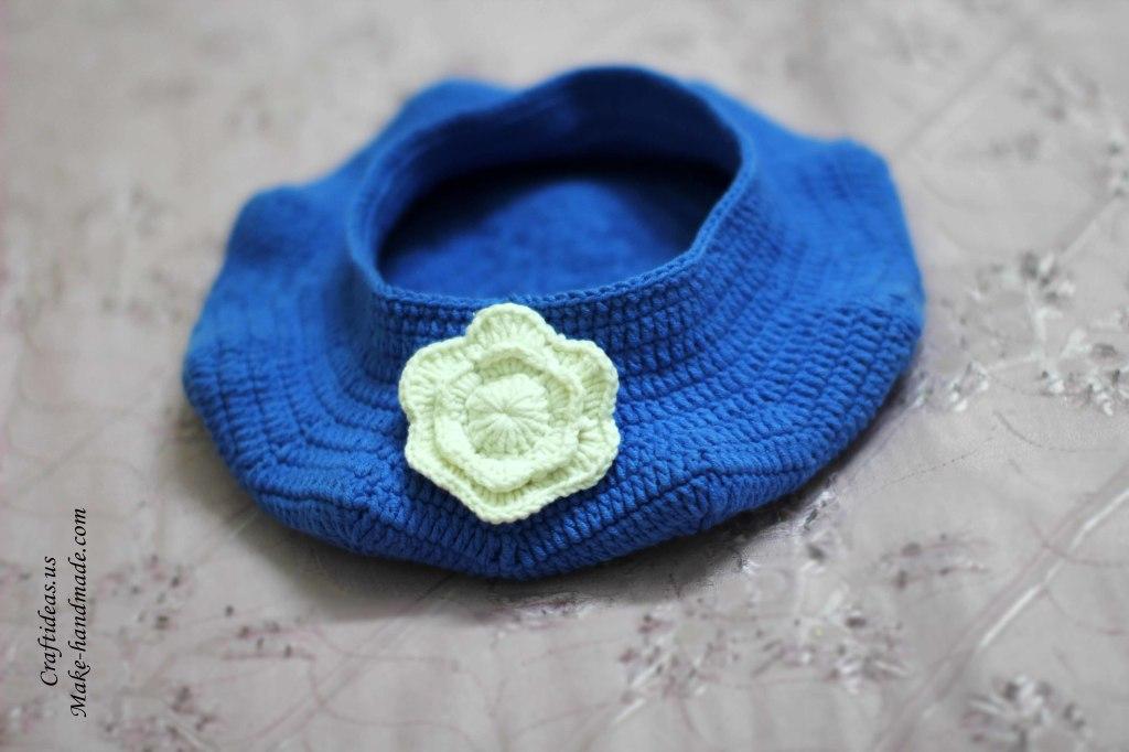 Crochet baby beret