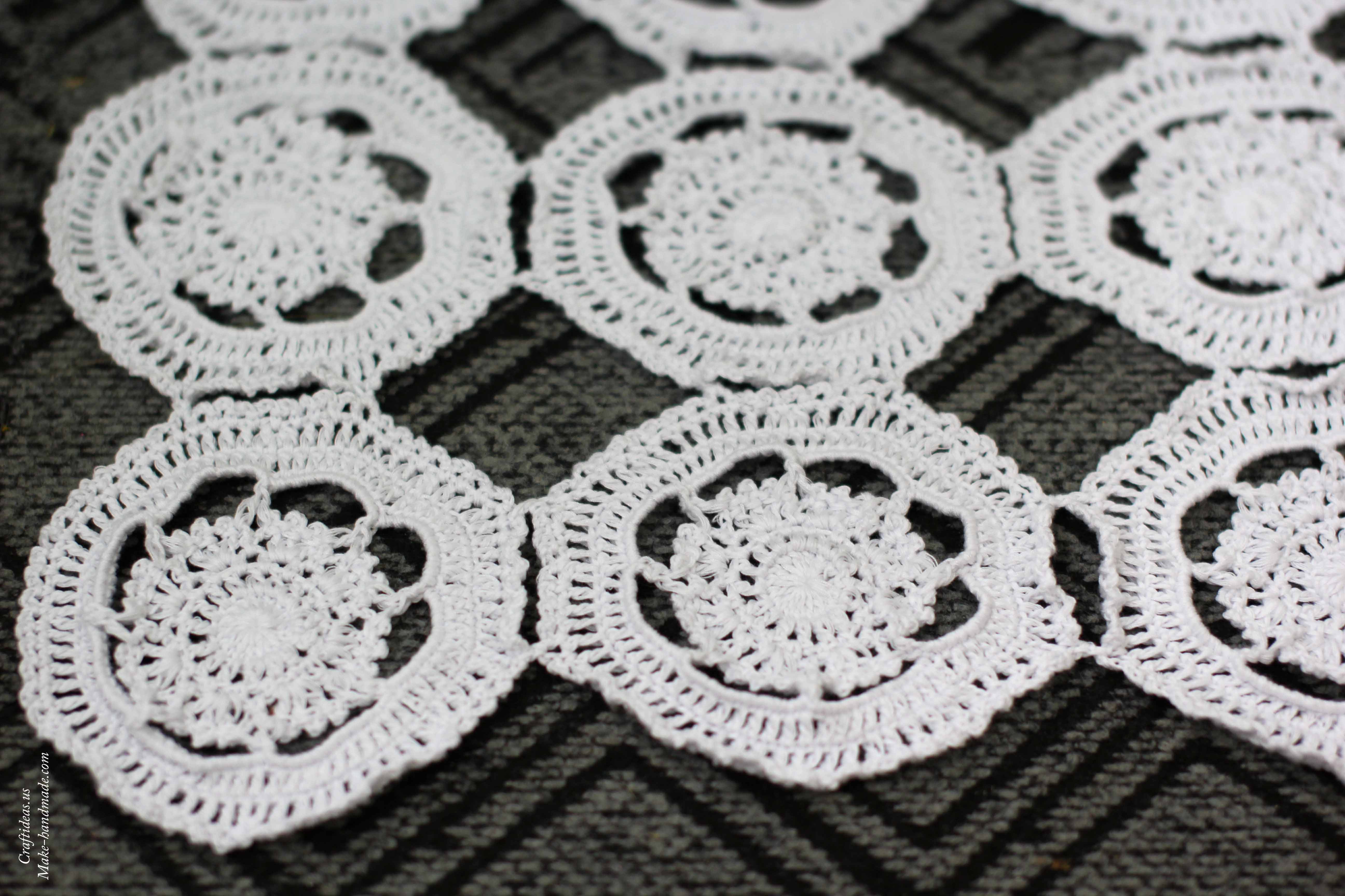 Crochet flower doily from circles for your home - Craft Ideas