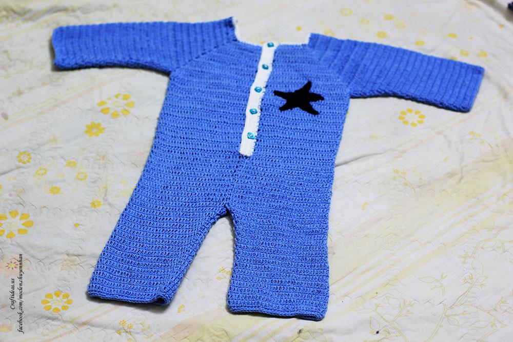 Crochet baby jumsuit