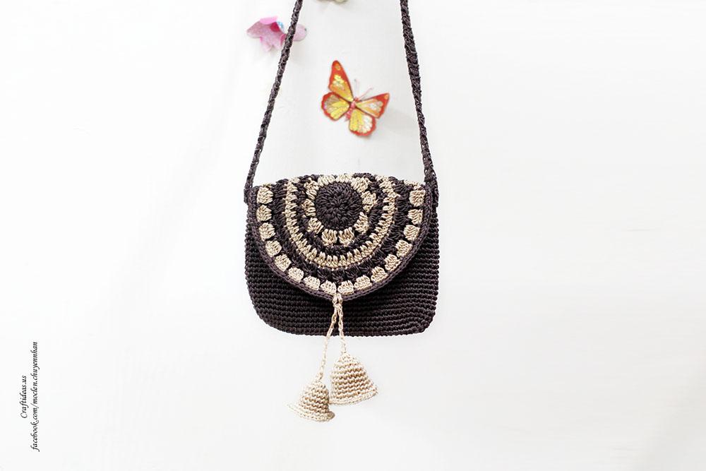 Crochet bell mini handbag for little kids