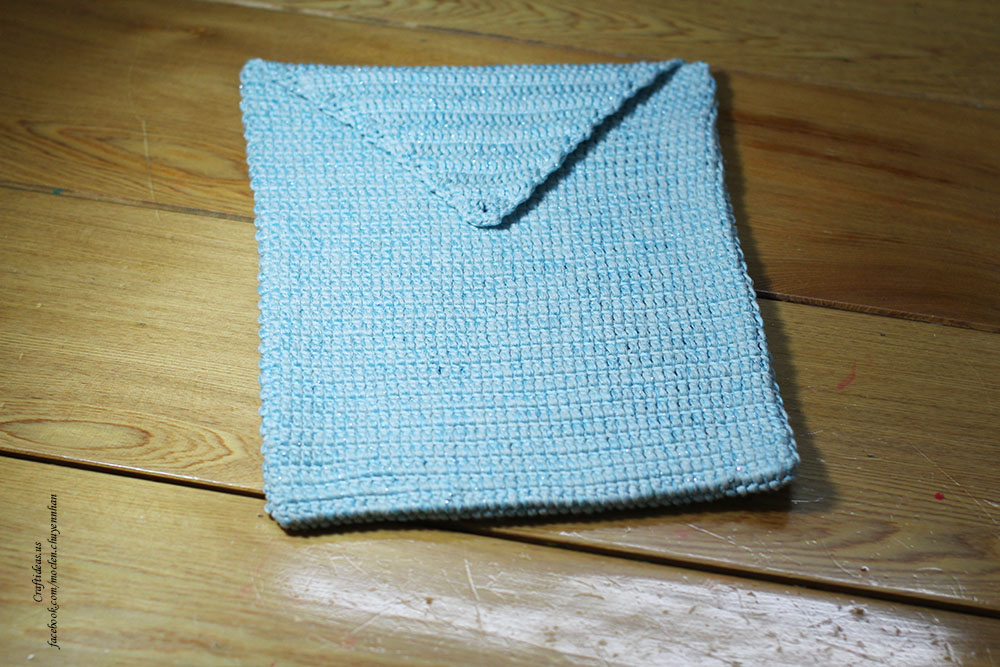 Crochet body of ipad carry bag