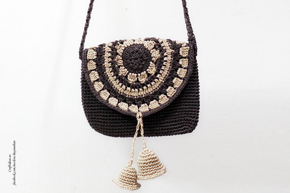Crochet mini bell handbag