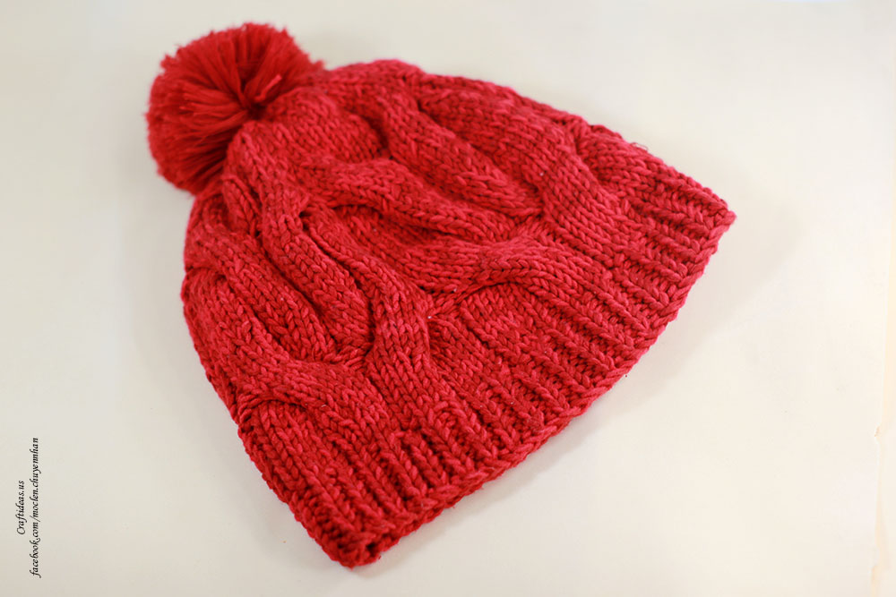 Knitting red hat