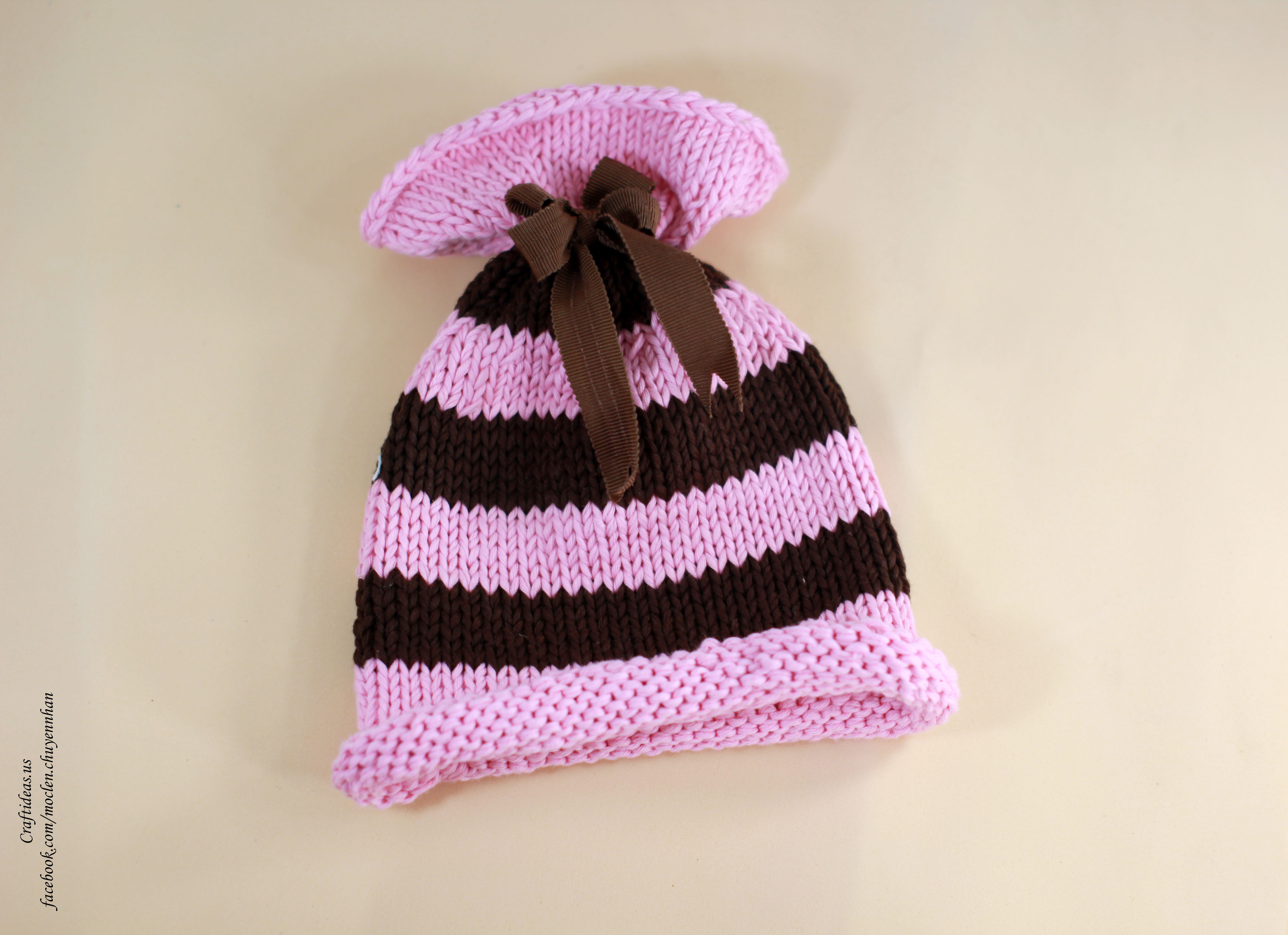 Knitting strip hat for little kids
