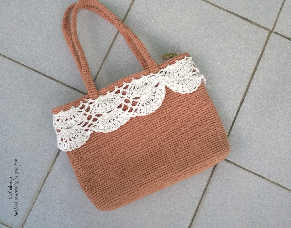 Crochet women handbag