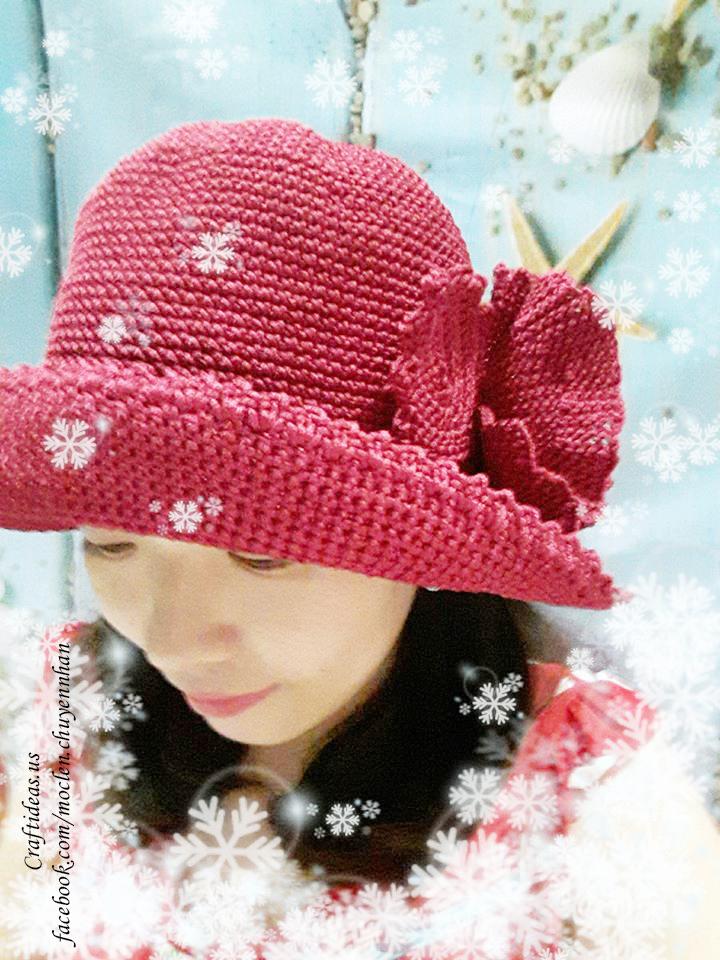 Crochet cute hat and flower