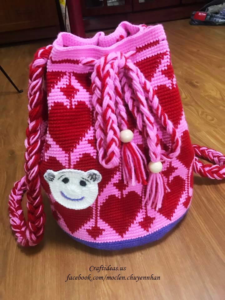 Crochet cute heart packback