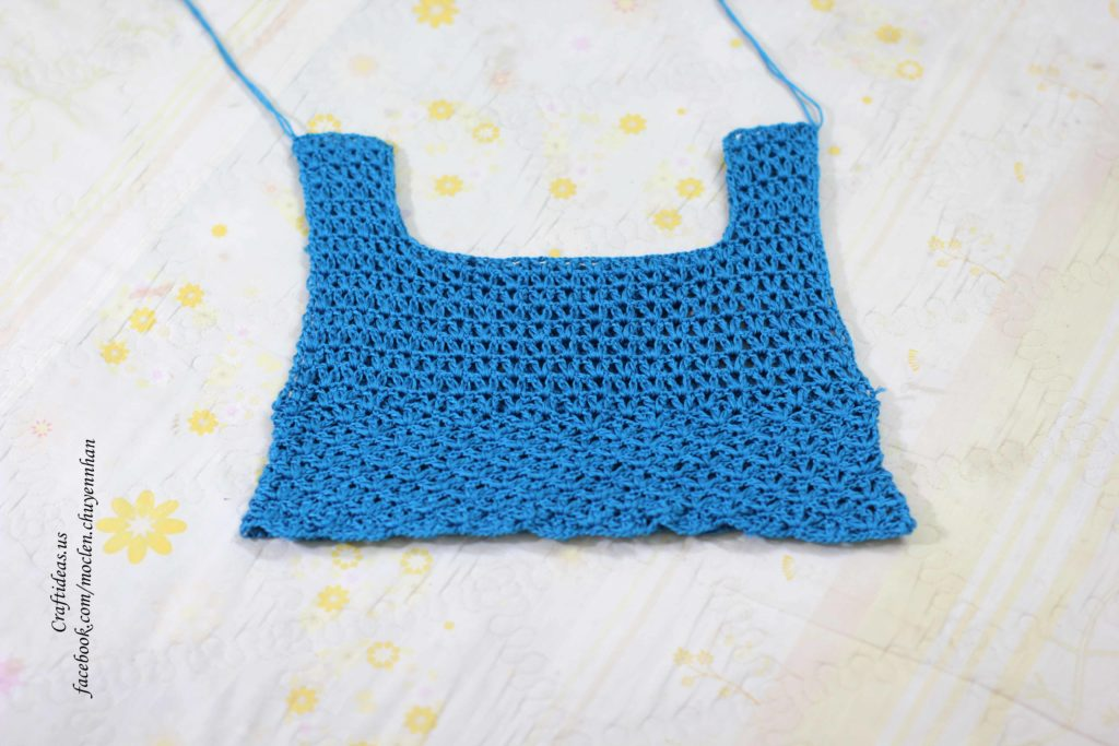 Crochet croptop for beach