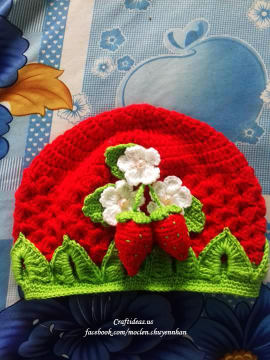 Crochet strawberry hat for little kids