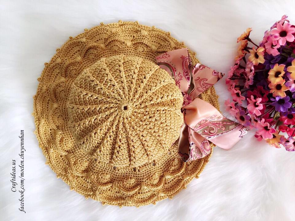 Crochet summer hat for girl