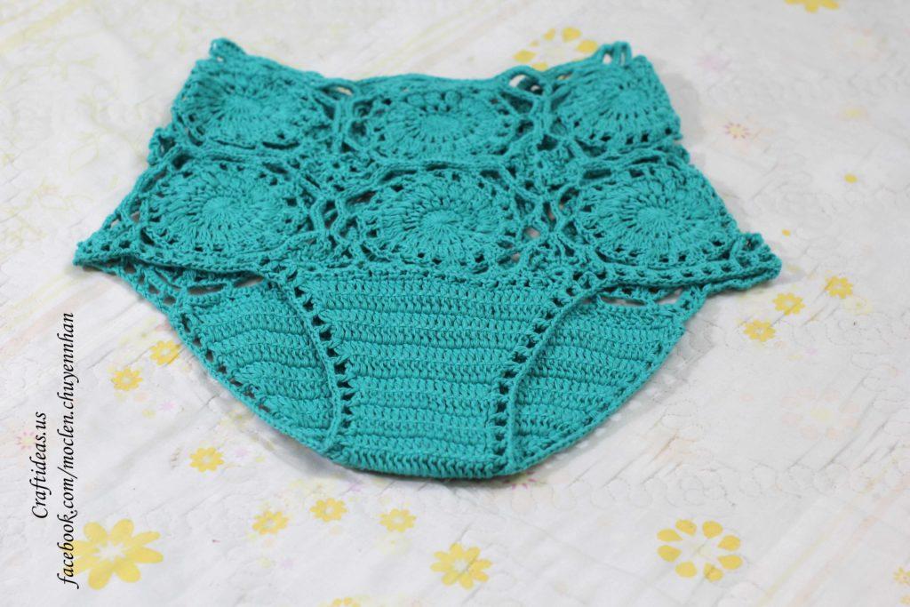 Crochet flower motives for shorts