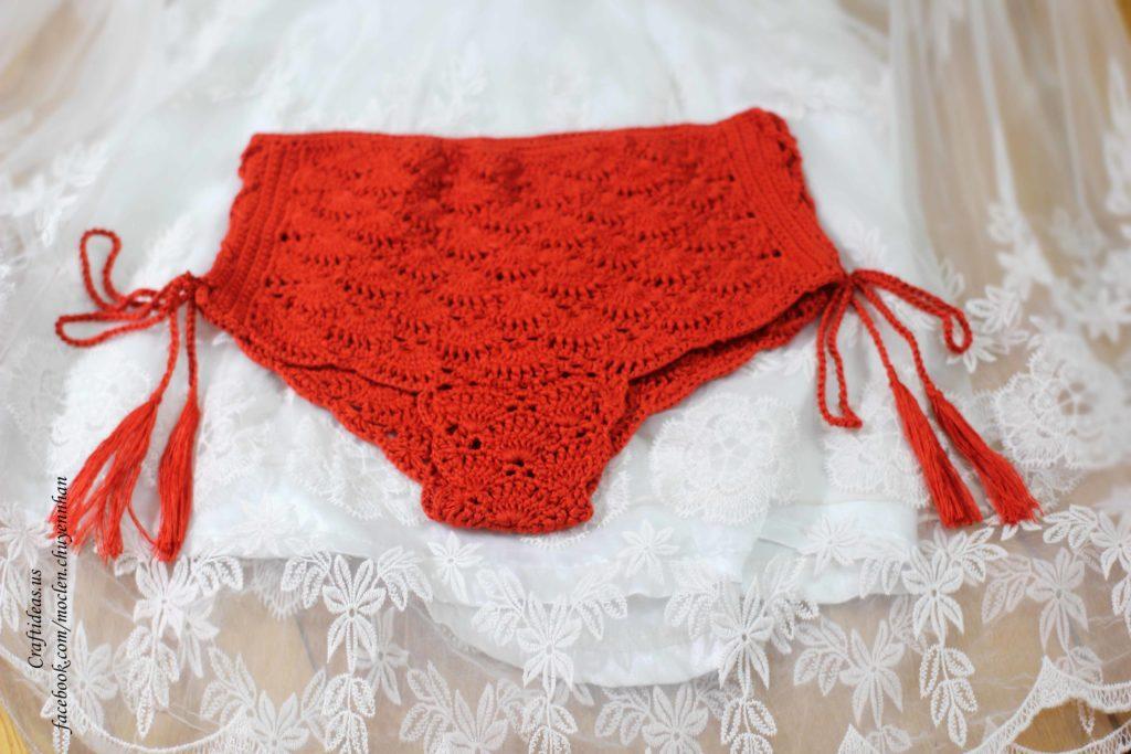 Crochet red shorts for girl