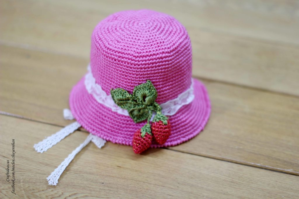 Crochet cute strawberry hat for little girls