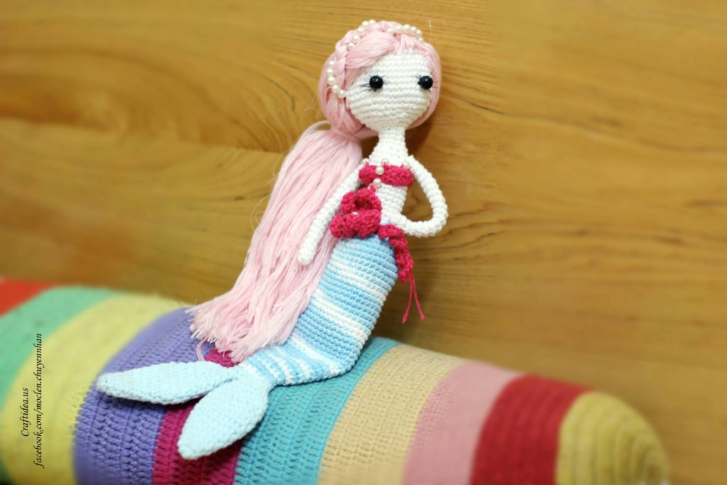 Crochet little mermaid for kid