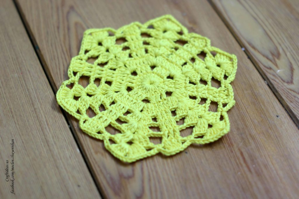 Crochet snowflakes dishcloths for Christmas day