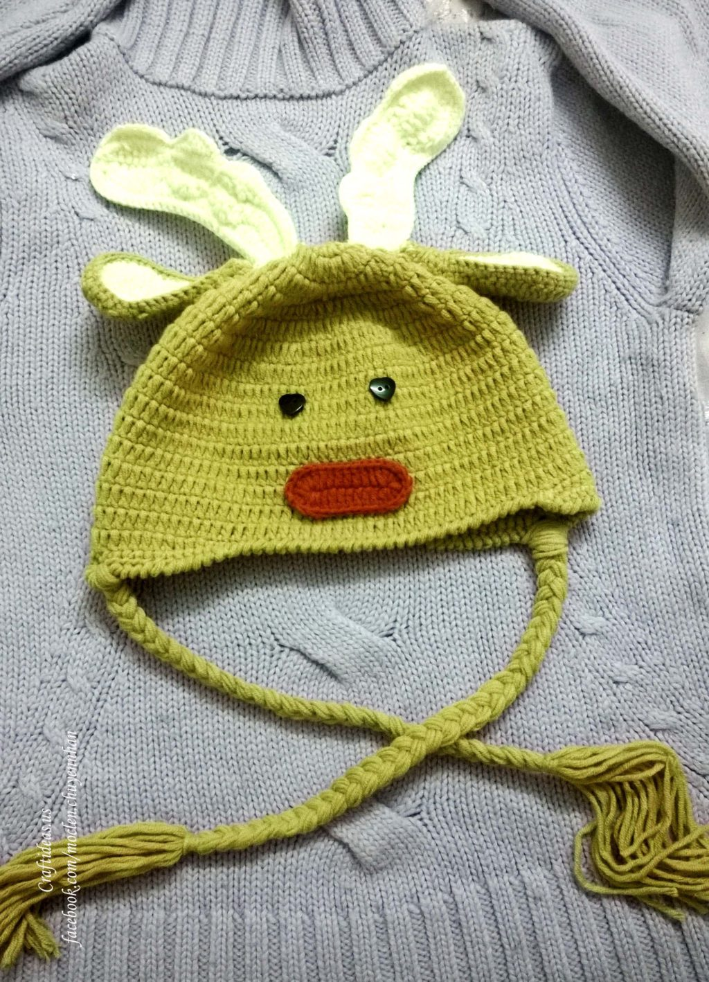 crochet baby reindeer hat