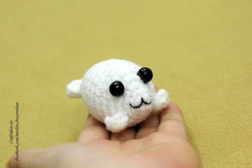 Amigurumi seal - Free crochet pattern in ENG,NO,DE | 683x1024
