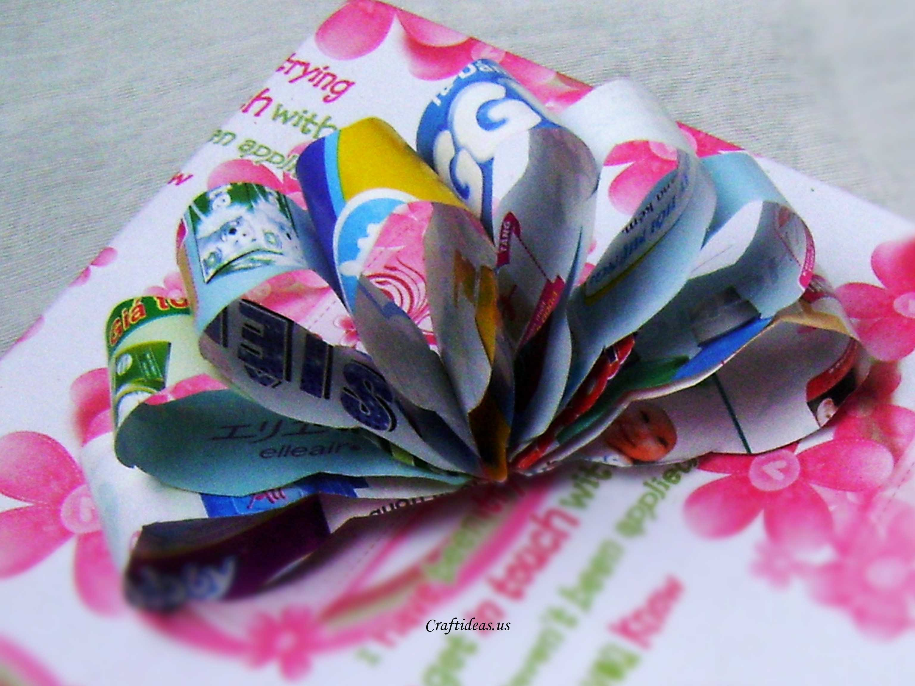 recycling paper  paper flower bow